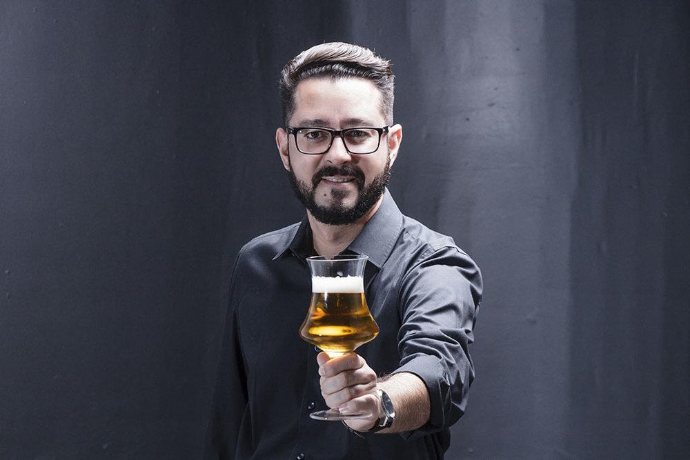 Heitor Silva está no Top 50 dos melhores Sommeliers de Cerveja do Brasil (Foto: Leo Guimarães/Divulgação)