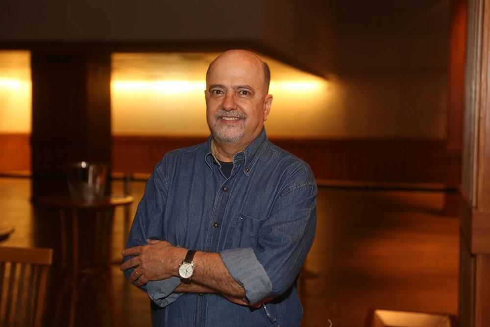 Consultor de empresas, ex-presidente da Colorado, Ronaldo Morado expressou a sua paixão por cerveja no livro Larousse da Cerveja, que agora ganha edição atualizada (Foto: Ibraim Leão/Divulgação)