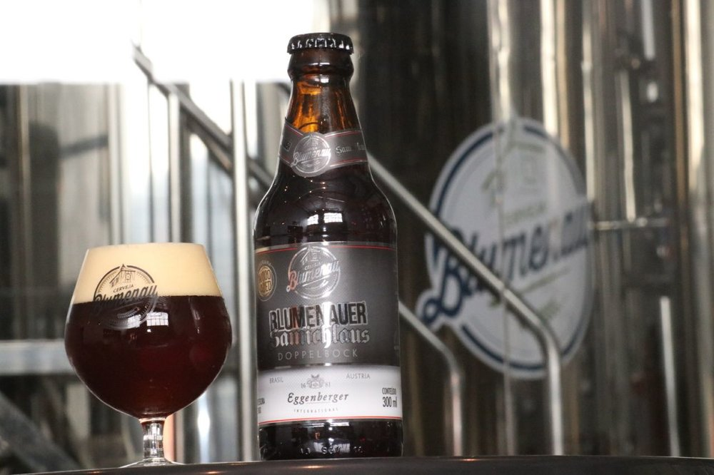 Cerveja produzida em Blumenau com a austríaca Eggenberg tem 12% de teor alcoólico (Foto: Alexandre EggertDivulgação)