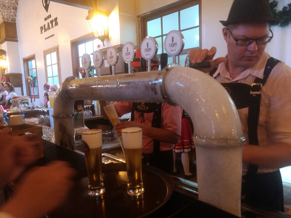 As torneiras são dedicadas às principais cervejas da Rasen (Foto: Tiago Lobo/Beer Art)