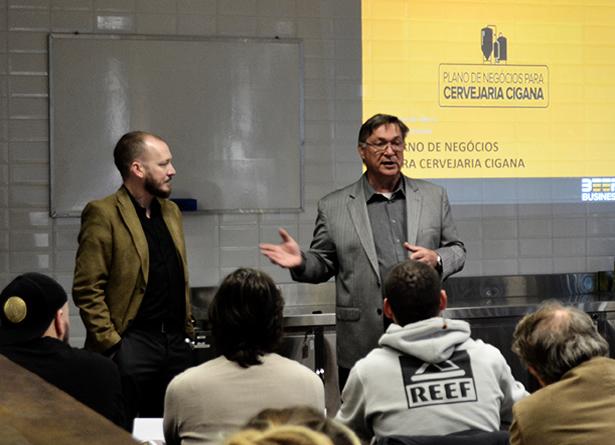 Os instrutores são Filipe Bortolini e Edmundo A. Albers (Foto: Divulgação)
