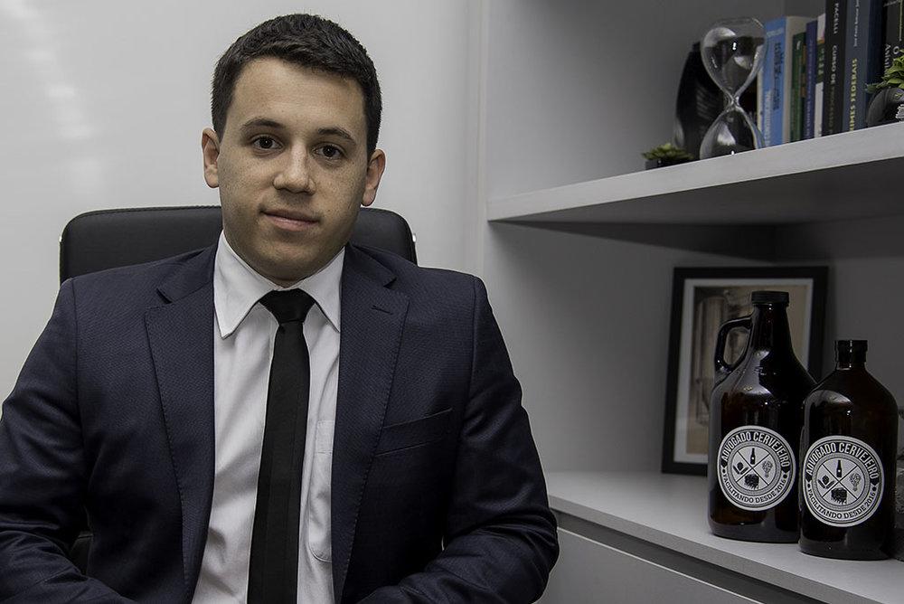 André Lopes comanda o serviço Advogado Cervejeiro (Foto: Divulgação)