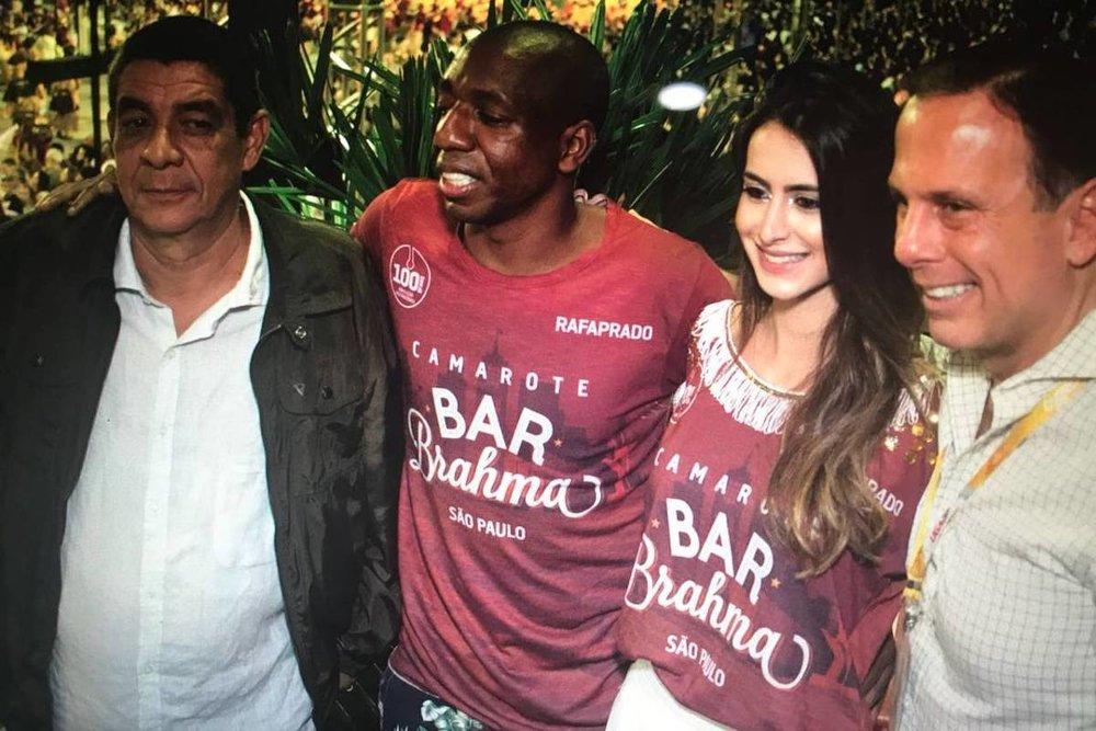 Zeca Pagodinho aceitou fazer a foto com João Doria com a condição que estivesse junto o ex-jogador Amaral (Foto: Divulgação)