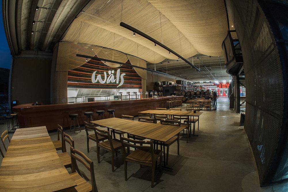 Espaço reúne restaurante, loja, escritório, adega, cervejaria e área externa com um mirante para admirar a paisagem da região (Foto: Divulgação)