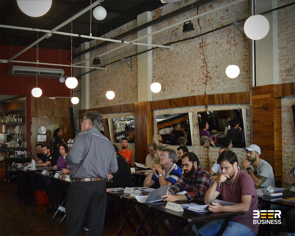 Aulas ocorrem no fim de semana, com carga de oito horas cada curso (Foto: Divulgação)