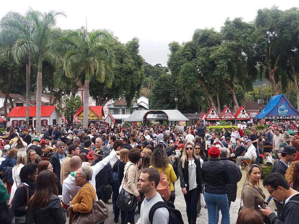 Em ano de Copa do Mundo, a festa germânica em Petrópolis espera mais de 300 mil participantes (Foto: Divulgação)