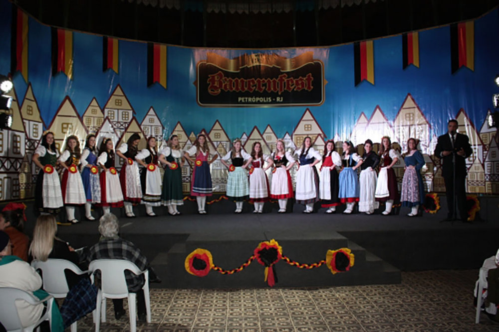 Dezessete candidatas concorreram a soberanas da festa na cidade serrana fluminense (Foto: Divulgação)