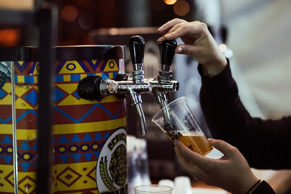 Espaço Biergarten Imperial reúne quase duas dezenas de cervejarias artesanais (Foto: Divulgação)