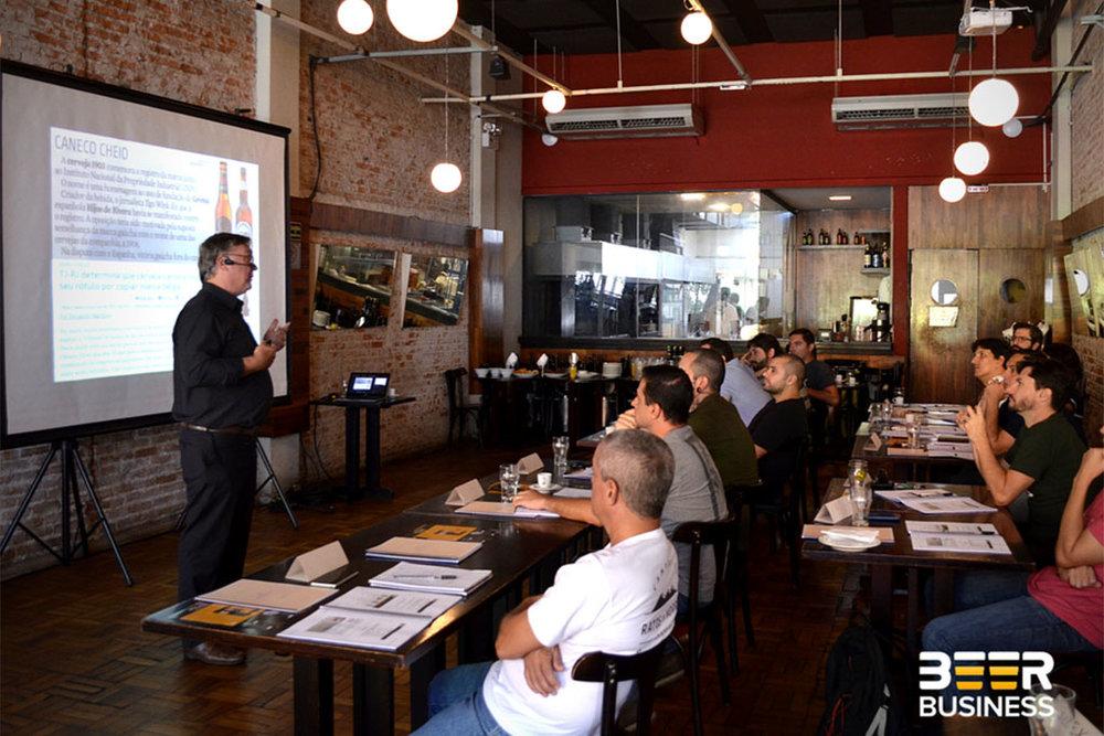 São duas opções de curso, um de Plano Mestre para Microcervejariase outro de Plano de Negócios para Cervejarias Ciganas (Foto: Divulgacão)