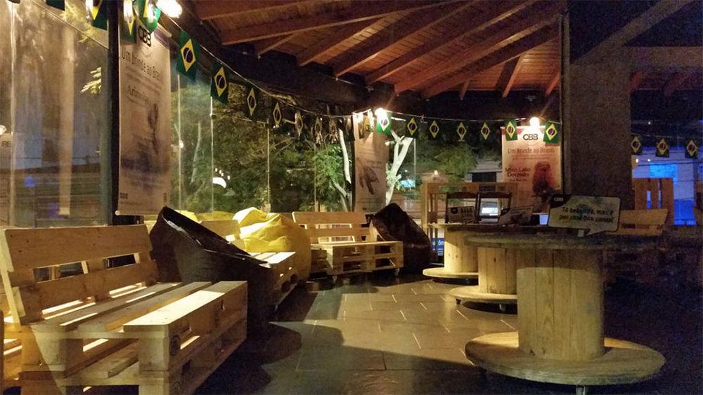 Ambiente preparado para que o apreciador das artesanais se sinta em casa (Foto: Divulgação)