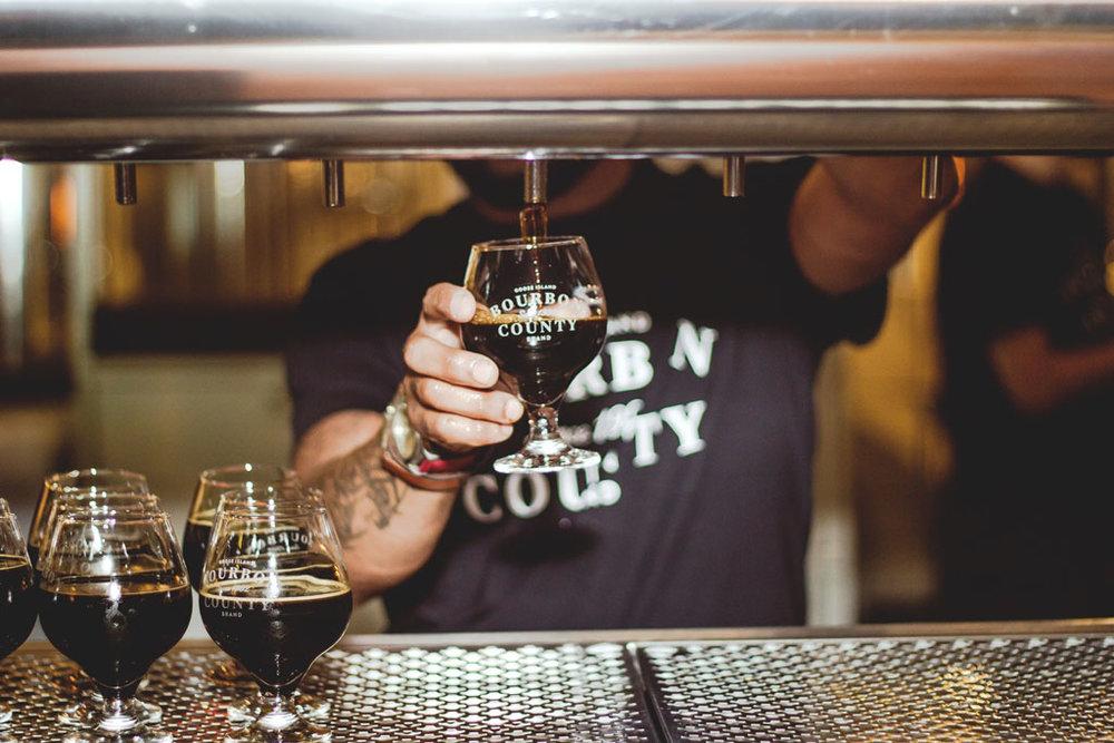 Essa Imperial Stout é maturada em barris de whisky bourbon por cerca de 150 dias (Foto: Divulgação)