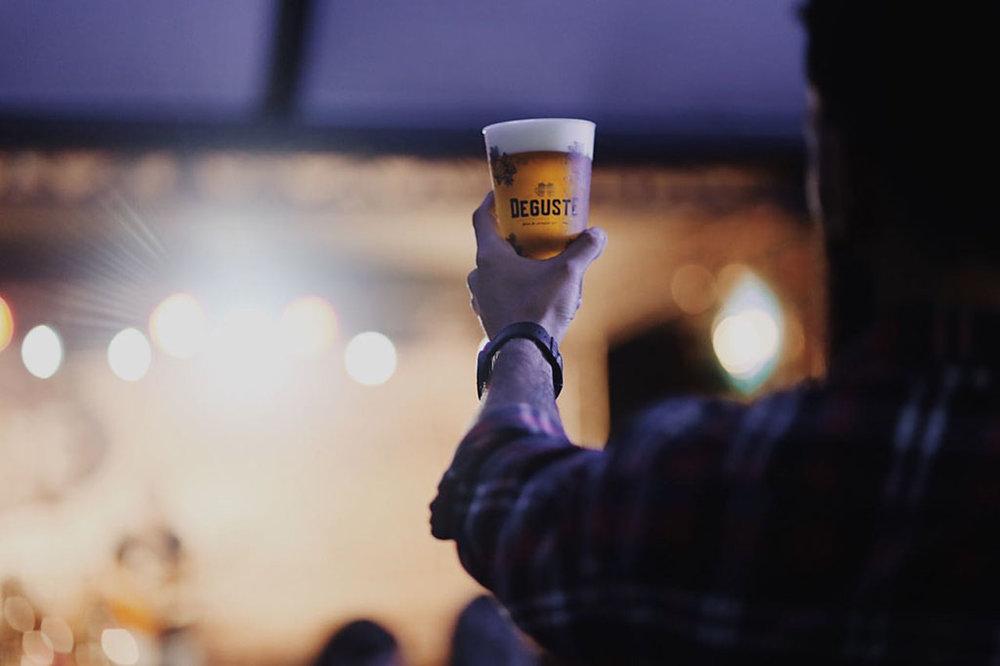 A feira já é uma tradição na Rota Cervejeira RJ (Foto: Divulgação)