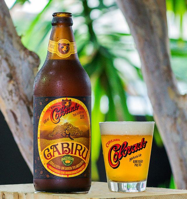 Nova cerveja é uma American India Pale Ale que leva a fruta gabiroba, típica do Cerrado (Foto: Divulgação)