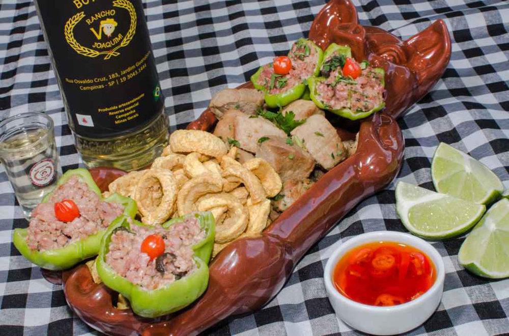 """O petisco """"Mineirice Uai"""", por conta das características do preparo de refeições para consumo a bordo, teve que ser adaptado (Foto: Dreison Medeiros/Divulgação)"""
