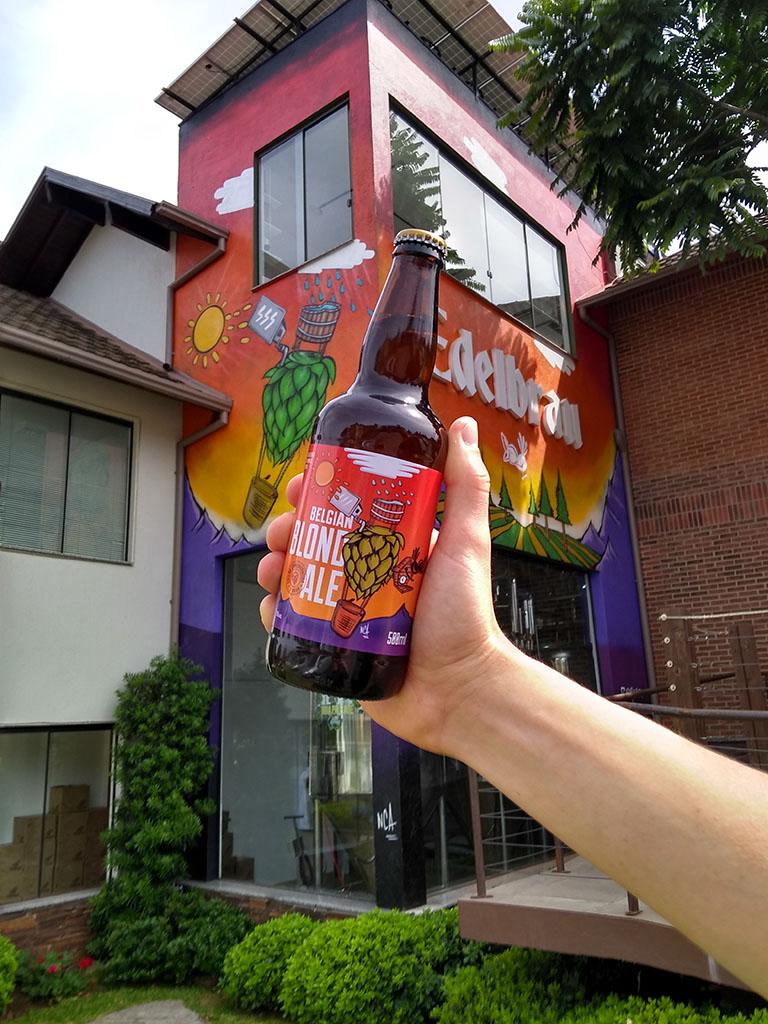 A cerveja comemorativa (Foto: Roberta Bratz/Divulgação)