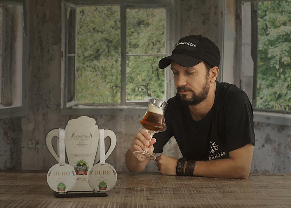 """""""Cada lugar tem sua cerveja e cada cerveja tem seu lugar"""", diz Chico Milani (Foto: Claudia Milani/Divulgação)"""