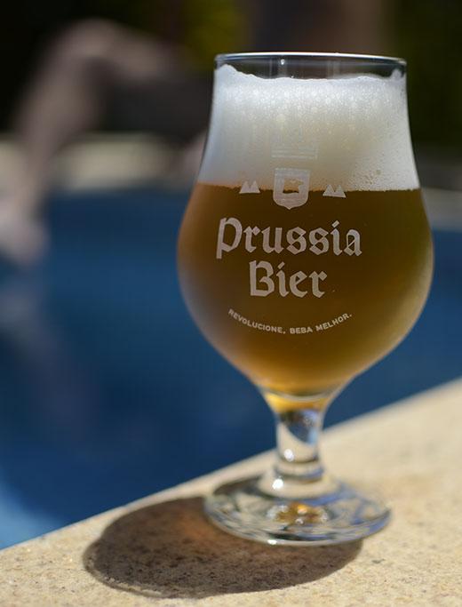 Cerveja apresenta intenso aroma de frutas cítricas, principalmente maracujá e abacaxi e também uva cabernet (Foto: Divulgação)