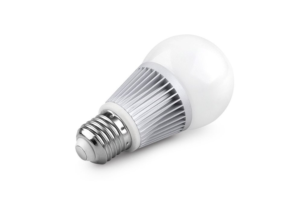 7 watt Sunthin bulb draws about 450 milliamps.