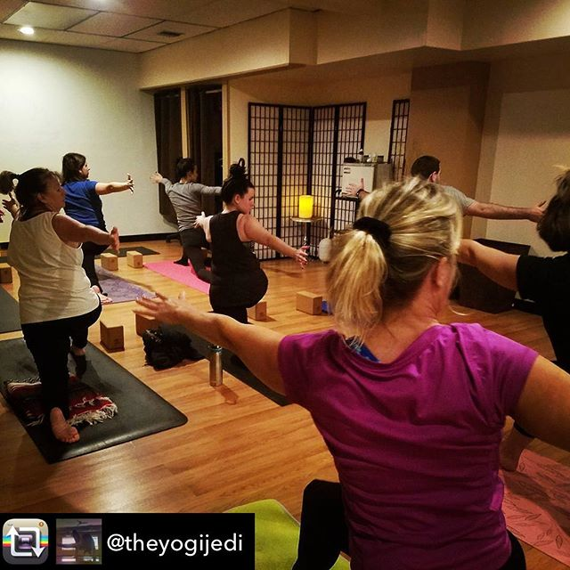 Repost from @theyogijedi - We work on rotation. Because I love you. @davidpaulyoga #twist #revolvedlunge #davidpaulyoga #mondaynightcrew #hicksville #yogaeverydamnday #vinyasa #yoga #yogaeverywhere #tattooedyogi #yogateacher #ilovemyjob #dowhatfeelsgood #selfcare #takecareofyou
