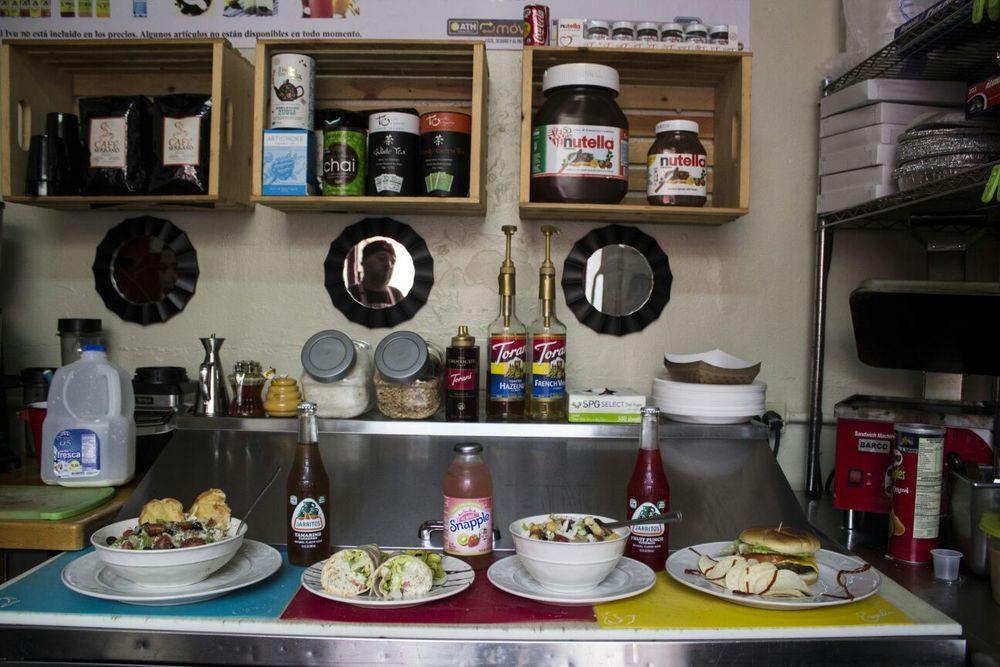 El pequeño espacio donde crean sus delicias