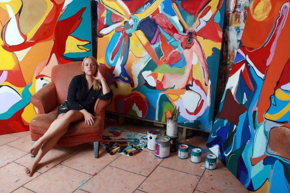 La talentosísima pintora Carla Negrón