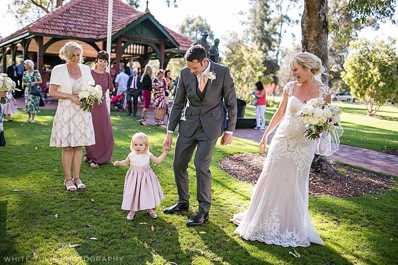 kings-park-relaxed-picnic-wedding_0038.jpg