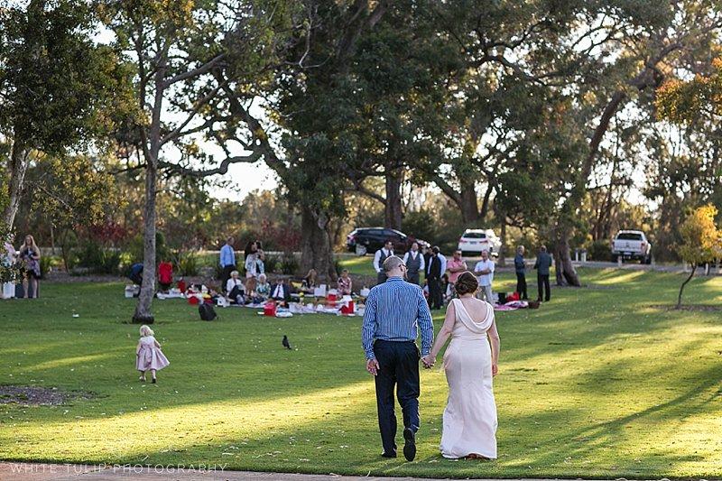 kings-park-relaxed-picnic-wedding_0098.jpg