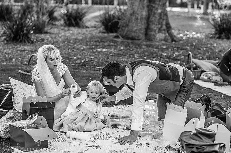 kings-park-relaxed-picnic-wedding_0102.jpg