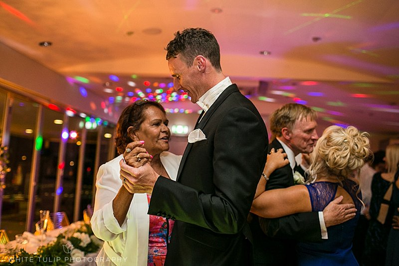 royal-perth-yacht-club-wedding-fremantle-dockers_0166.jpg