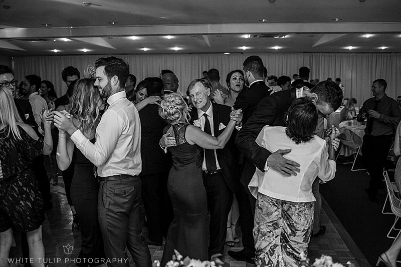 royal-perth-yacht-club-wedding-fremantle-dockers_0167.jpg