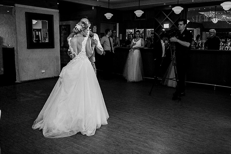 swan-valley-wedding-summer_0055.jpg