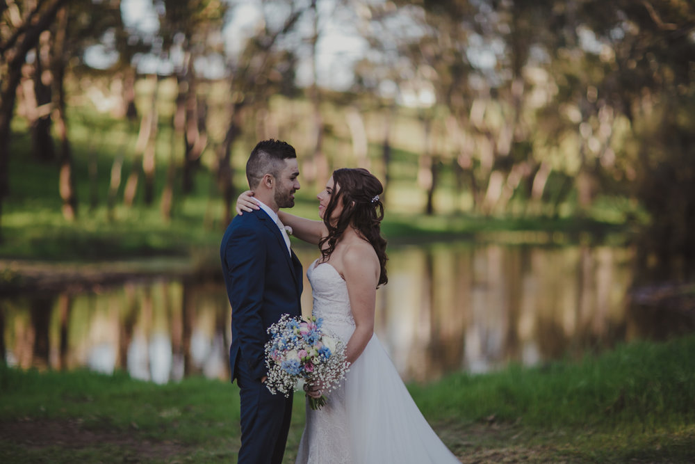 swan-valley-wedding-photographer-sandalford-estate-28.jpg