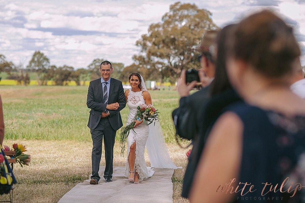 destination-wedding-photographer-country-victoria-wimmera_0035.jpg