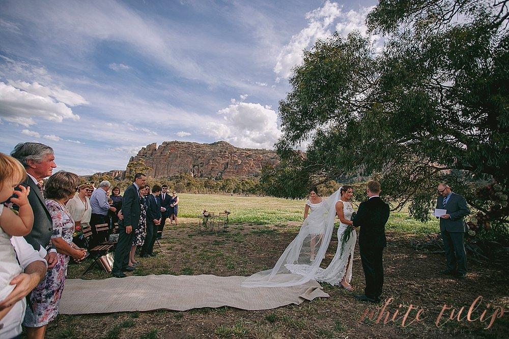 destination-wedding-photographer-country-victoria-wimmera_0036.jpg