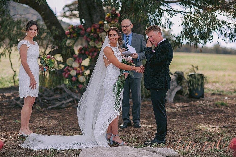 destination-wedding-photographer-country-victoria-wimmera_0043.jpg