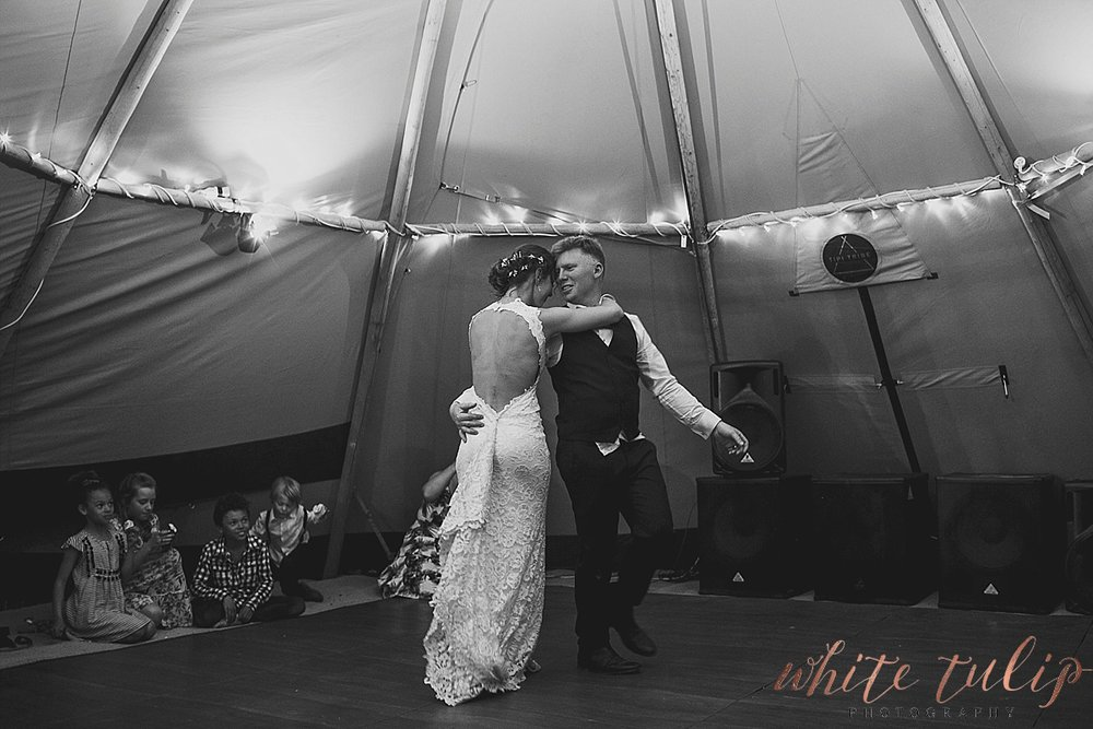 destination-wedding-photographer-country-victoria-wimmera_0128.jpg
