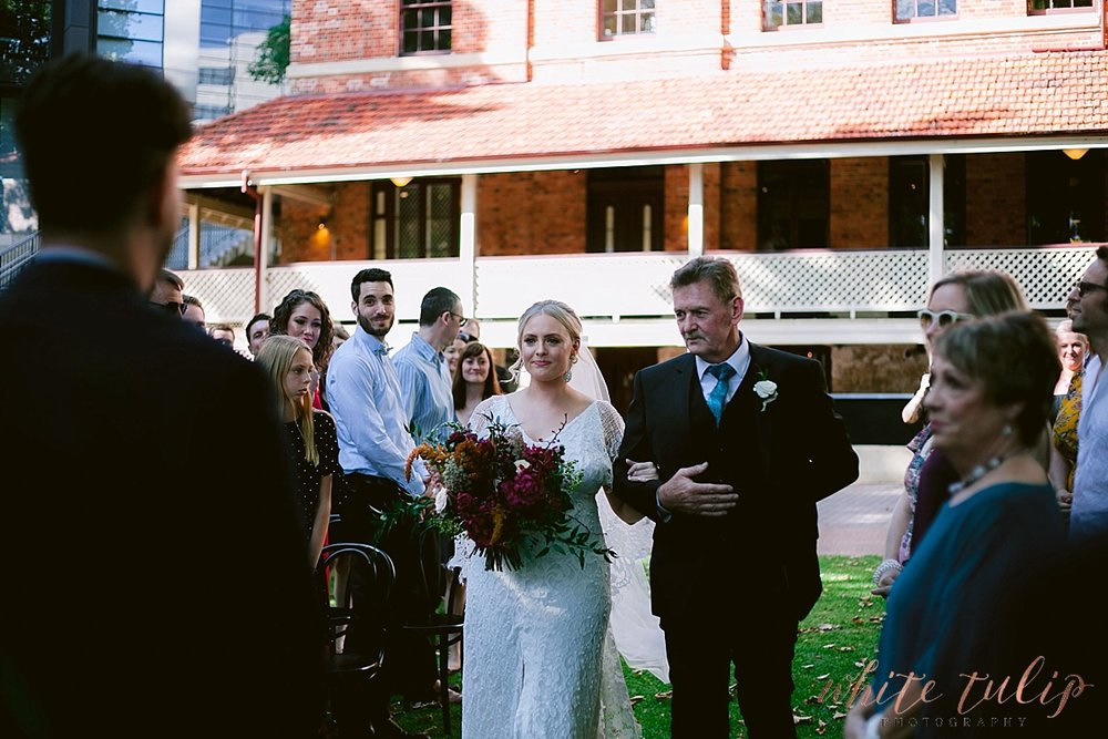 LAMONTS-BISHOPS-HOUSE-PERTH-WEDDING_0005.jpg