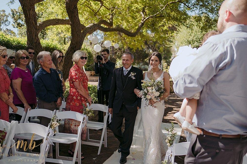 perth-wedding-photographers-scented-gardens_0020.jpg