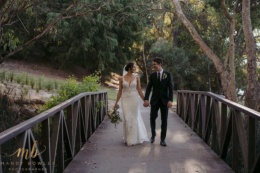 perth-wedding-photographers-scented-gardens_0055.jpg