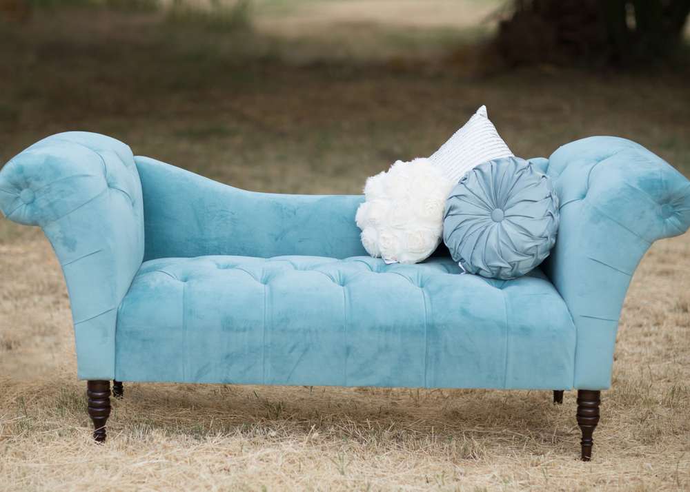 Constance tufted chaise