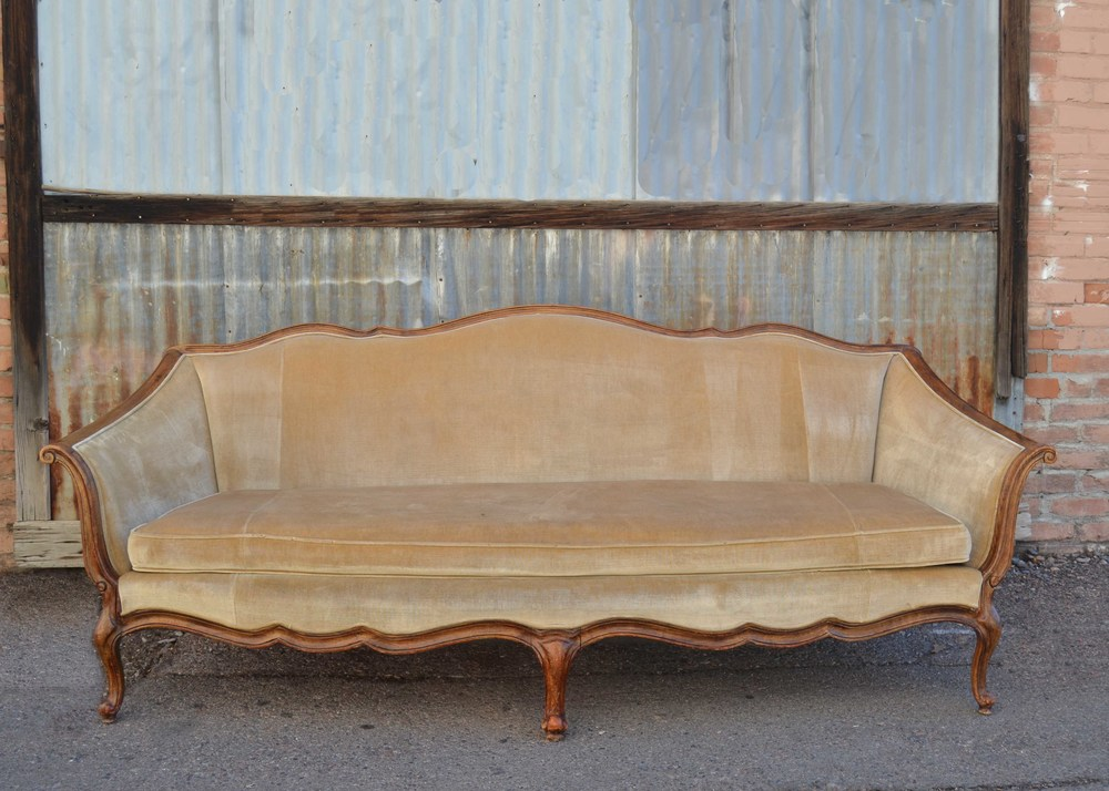Jacqueline Victorian Couch