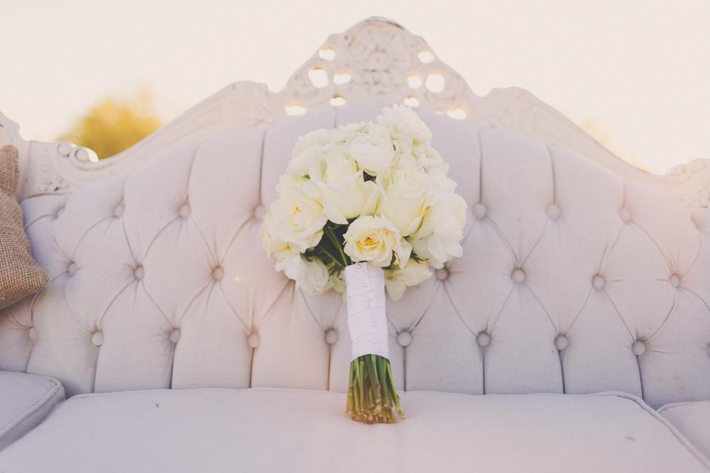 Elizabeth vintage couch and bouquet