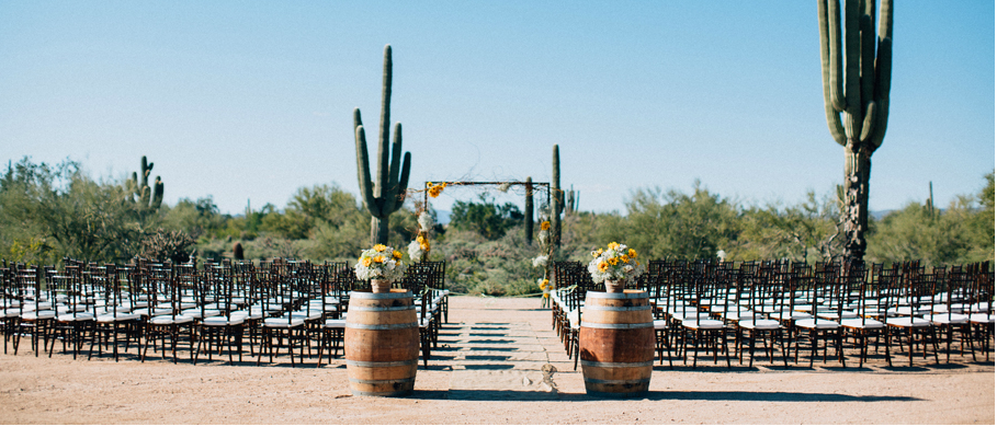 We used the two wine barrels as an isle entrance for the ceremony along with the burlap isle runner.