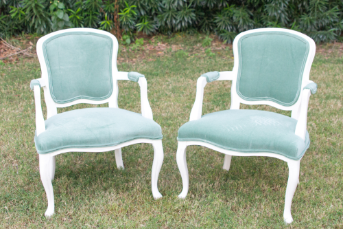 John and Carolyn have beautiful white wood with mint colored fabric. Perfect for spring!