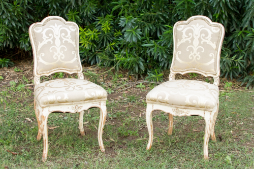 Meet Humphrey and Lauren! These beautiful upholstered chairs are perfect for our sweetheart table, Vivienne!