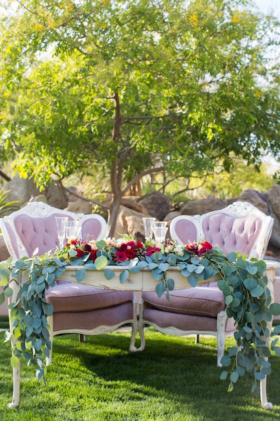 Prim Sweetheart Table
