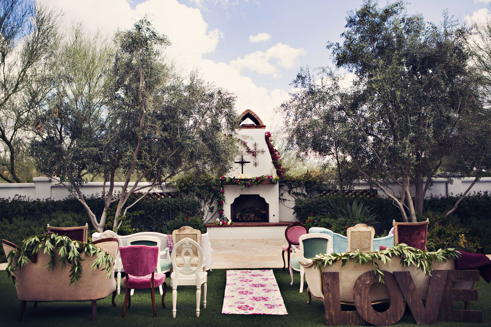 Venue: El Chorro / Photographer: Jane Z Photography / Planner: A Day To Cherish Weddings / Floral: Carte Blanche Design /