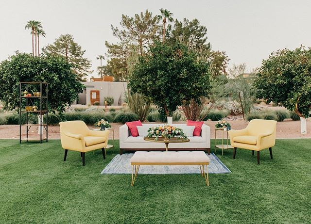 Oh, you know, just a casual space in the yard. ⠀⠀⠀⠀⠀⠀⠀⠀⠀ Planners: @krysta.slic @steph.slic @somelikeitclassic  Venue: @andazscottsdale  Floral: @mintgreendesign  Fashion: @bellalilybridal @celebtuxntails Hair/Makeup and Models:@blendidskincare  Photography: @meganclairephoto  Furniture: @primrentals @dang.finerentals Rentals: @materialgirlsweddings @brighteventrentals  Linens: @latavolalinen
