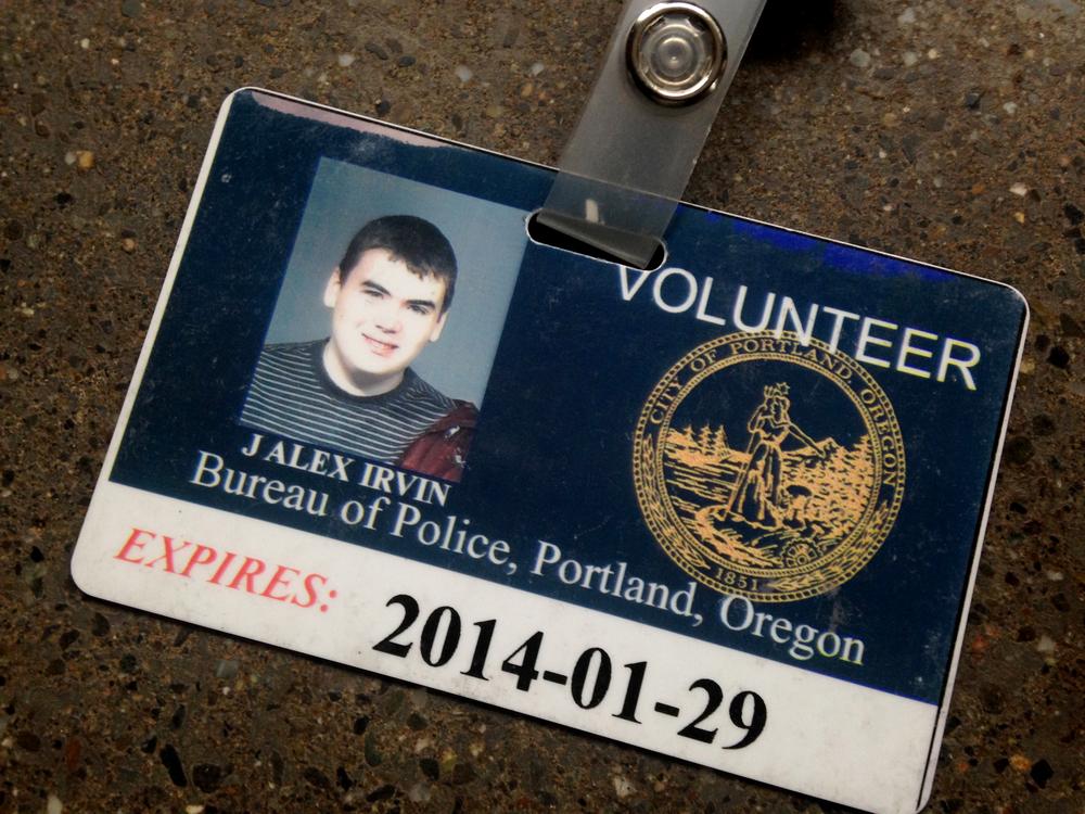alex_volunteer_card.jpg