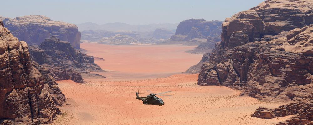 helo in desert bw mts.jpg